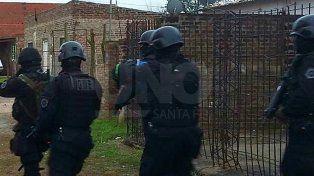 Lo detuvieron caminando armado por las calles de Monte Vera