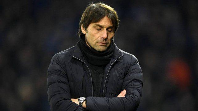 Chelsea anunció la destitución de Conte