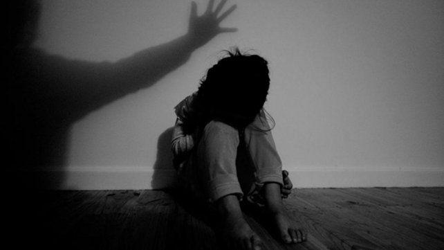Conmoción en Bolivia: violó a una nena con Síndrome de Down y le cortó la lengua