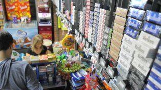 Los kiosqueros locales armaron su propia lista de precios para los cigarrillos