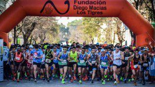 dos santafesinas coparon el podio en el maraton aniversario ciudad de la paz