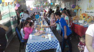 Organizan fiestas de cumpleaños solidarias para chicos que asisten a copas de leche