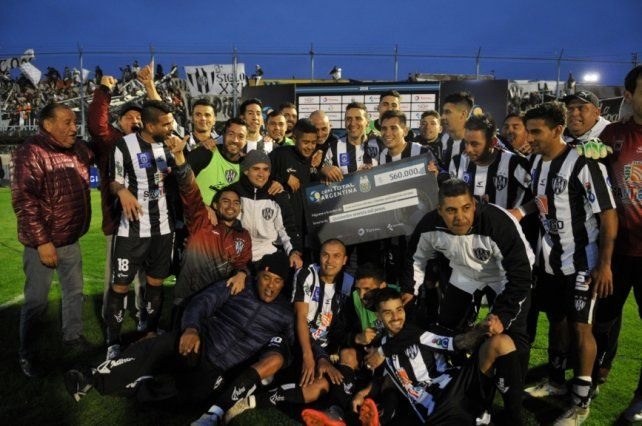 Copa Argentina: Central Córdoba (SdE) dio la nota frente a Vélez