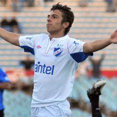 Colón está a un paso de sumar a un goleador internacional