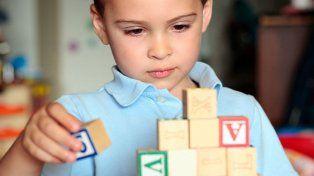 Denuncian demoras en la autorización de terapias en personas con autismo