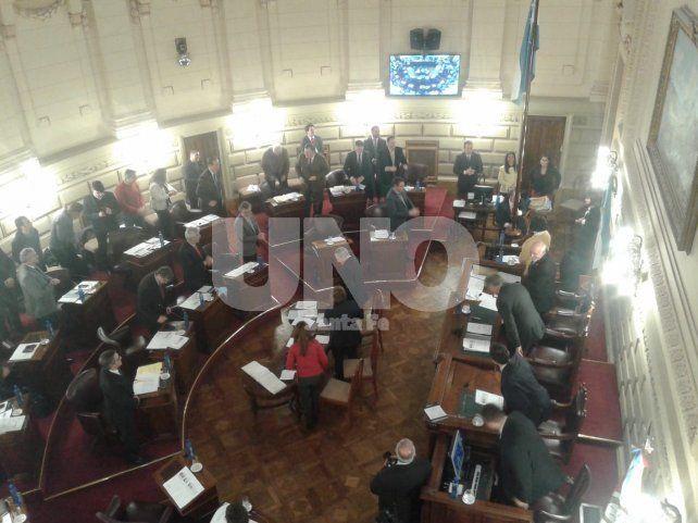 Acuerdo. Por mayoría la Cámara alta le dio media sanción al permiso para tomar deuda.
