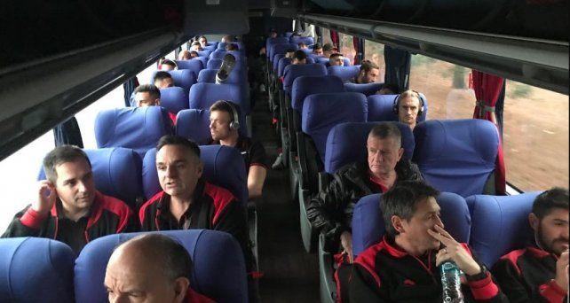 Colón llegó a San Pablo para esperar el partido del jueves