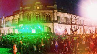 Cientos de estudiantes santafesinos se manifestaron a favor del derecho a decidir