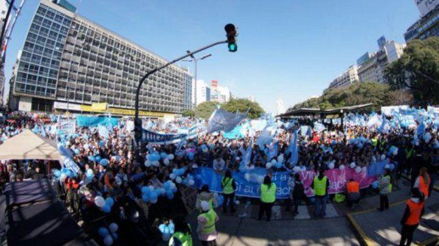 Masiva marcha de evangelistas y militantes provida en Buenos Aires