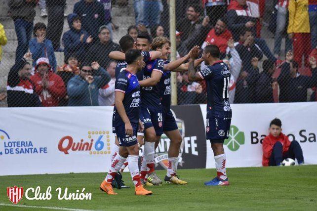 Unión de Sunchales sorprendió a Unión y lo eliminó de la Copa Santa Fe
