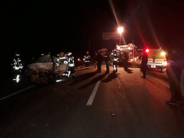 Violento choque frontal con dos muertos y un herido grave en el sur provincial
