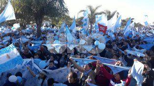 Multitudinaria manifestación en la Costanera santafesina por las dos vidas