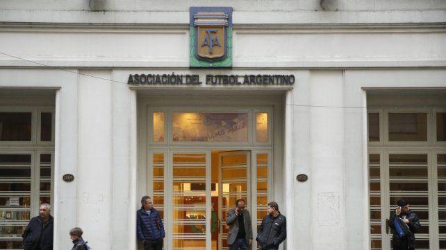 Tensión en AFA: Superliga vs. Ascenso