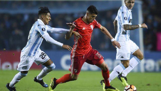 Racing no aprovechó la superioridad numérica y empató con River  por la Copa Libertadores