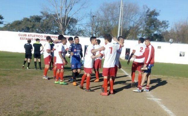 Independiente y Las Flores no se dan tregua en el ascenso