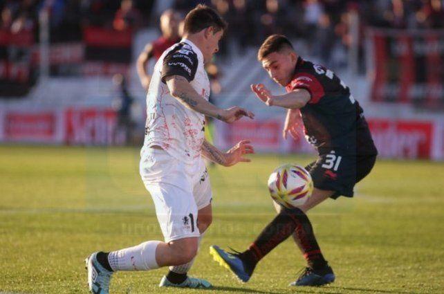 Colón no pudo aprovechar el envión copero y empató sin goles en Paraná