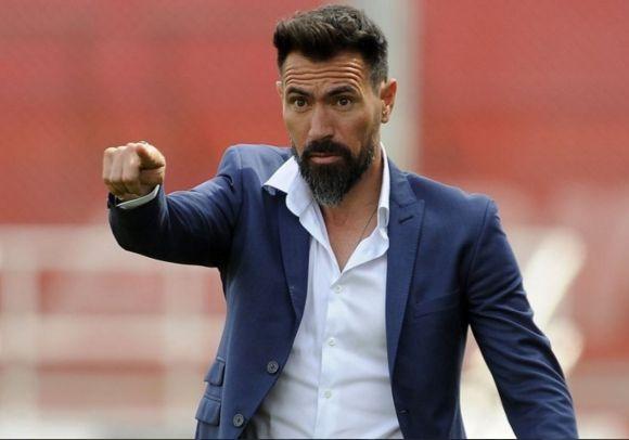 El miércoles Eduardo Domínguez firmó su contrato y arregló a trabajar en Colón.