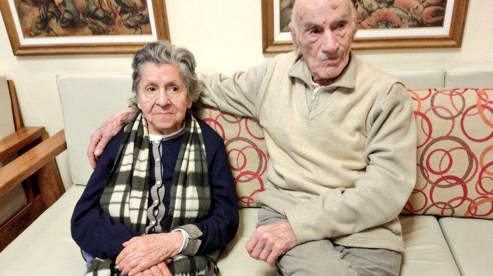 Los abuelos que fueron abandonados ya tienen nuevo hogar