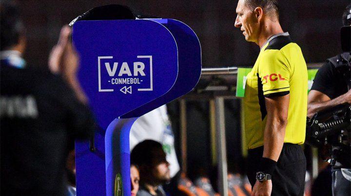 El VAR llegará a Santa Fe para el duelo entre Colón y Argentinos