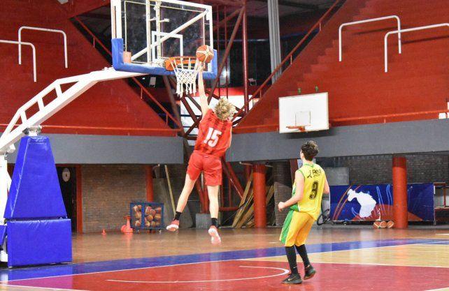 Unión sigue invicto en el Torneo Oficial U19