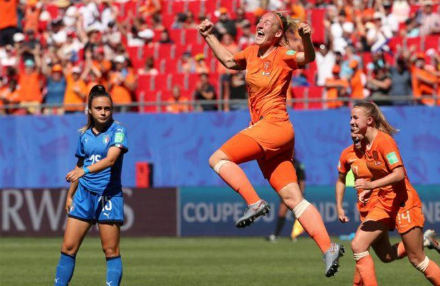 Holanda y Suecia juegan la segunda semifinal en Francia