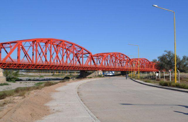 El puente Carretero al cual hace referencia la nena santiagueña.