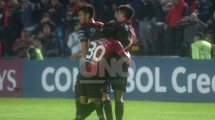 Nicolás Leguizamón renovó contrato en Colón