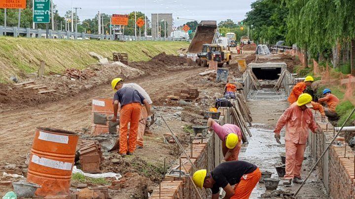 Ruta 1: avanzan las obras en colectoras, desagües y ciclovías