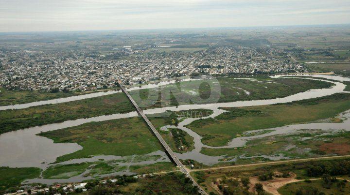 Carretero. Una imagen aérea muestra en su plenitud al puente