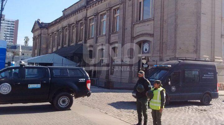 En las inmediaciones de la Estación Belgrano ya hay un fuerte operativo de seguridad de las fuerzas federales.