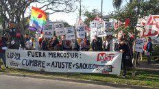 Manifestantes se concentraron en Riivadavia y Tucumán.