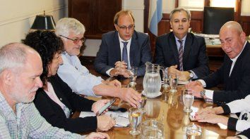 La comisión técnica de la paritaria central se vuelve a reunir.