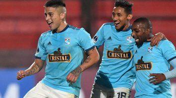 zulia y sporting cristal animan el partido de ida por la sudamericana