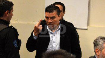 Baldomir hizo gestos amenazantes a la prensa durante el juicio.