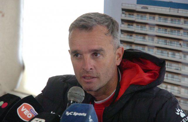 Lavallén: La prioridad para Colón es la Superliga
