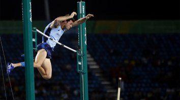el salto de charaviglio que podria definir el dia del atleta santafesino