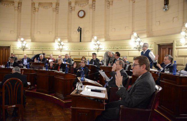 Los senadores aprobaron tratar el tema en la próxima sesión