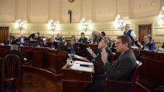 Los senadores aprobaron tratar el tema en la próxima sesión, que sería el 15 de agosto.