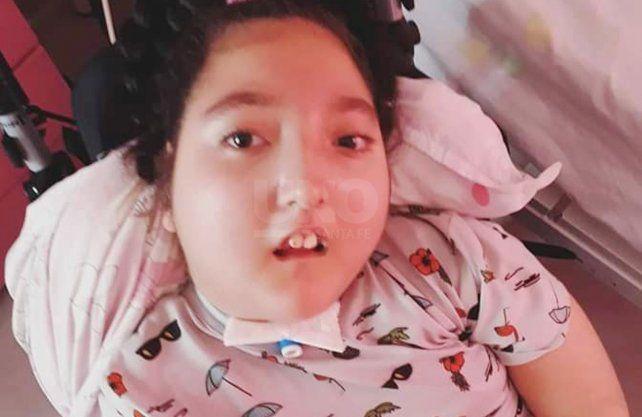 Narella tiene esta condición desde que tiene dos meses de vida.