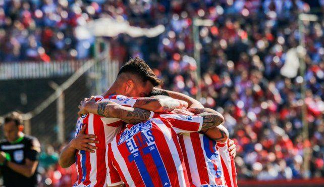 Unión imitó el arranque de las tres Superligas anteriores