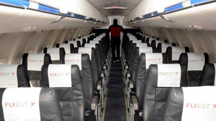 Interior de la aeronave Flyest.