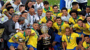 la sancion que le aplico la conmebol a la confederacion brasilena