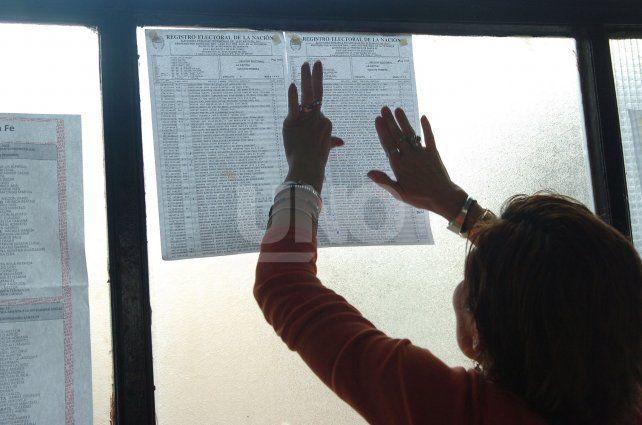 Este domingo votarán casi 91 mil santafesinos más que en las Paso de la provincia