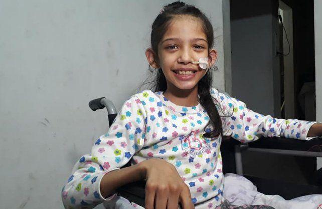 En casa.Yasmin continúa con su recuperación en su hogar
