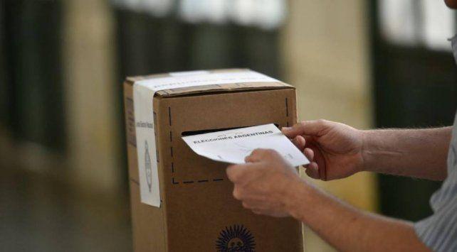 Sufragó el 63% del padrón cuando resta una hora para el cierre de la votación