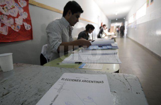 Serán más de 16.300 las autoridades de mesa que asistirán en estas elecciones.