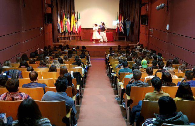 128 estudiantes de 13 países, llegaron de intercambio a la UNL.