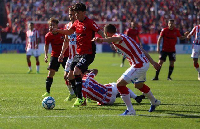 Un desconocido Unión perdió 2-0 ante Newells en el Coloso del Parque