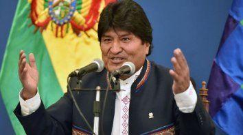 Evo dice que los bolivianos se vuelven a su país por la crisis argentina