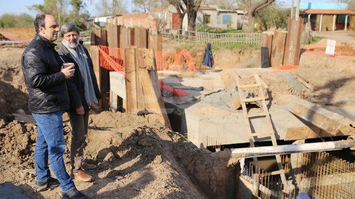 Corral recorrió las obras que se ejecutan en el oeste de la ciudad.